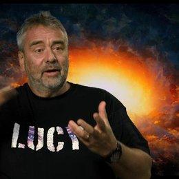Luc Besson - Regie, Drehbuch und Produktion - über Professor Norman - OV-Interview Poster