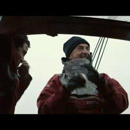 Yann und Mano passieren Kap Hoorn - Yann spricht via Skype mit dem Vendee Globe Team - Szene Poster