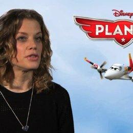 Marie Bäumer - deutsche Stimme Heidi - über das Erfolgsrezept der Disneyfilme - Interview Poster