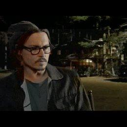 Johnny Depp über Dillingers Charakter - OV-Interview Poster
