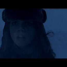 Beth flüchtet vor Krampus - Szene Poster