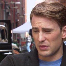 Chris Evens - Steve Rogers - Captain America - über Seine Vorbereitung Auf Die Rolle - OV-Interview Poster