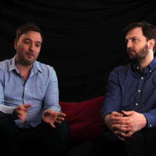 Damon Beesley & Iain Morris über die Reaktionen der Einwohner an den Drehorten - OV-Interview