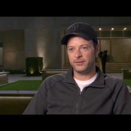Matthew Vaughn - Regisseur - über den Film in den 60ern zu positionieren - OV-Interview Poster