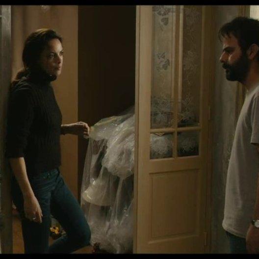 Ahmad kommt in Maries Haus - Szene Poster