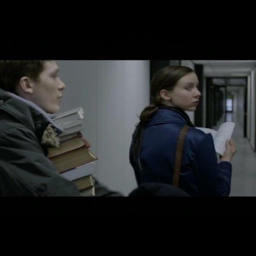 Ben hält seinen Zivi Christian auf Trapp - Szene Poster
