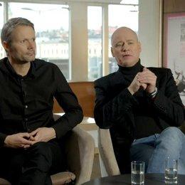 Robert Gustafsson - Allan Karlsson - darüber,  wie er sich auf die Rolle vorbereitete - OV-Interview Poster