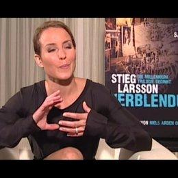 Noomi Rapace über die Ermittlungen im Film - OV-Interview