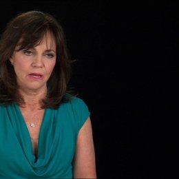 Sally Field (Mary Todd Lincoln) über die Kostüme - OV-Interview
