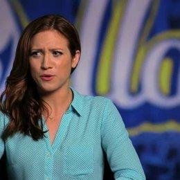 Brittany Snow über die Zusammenarbeit mit den Green Bay Packers - OV-Interview