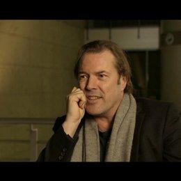 Sebastian Koch - Professor Bressler - über den Regisseur Jaume Collet Serra - OV-Interview Poster