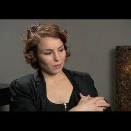Noomi Rapace über die mentale Herangehensweise an ihre Rolle - OV-Interview Poster