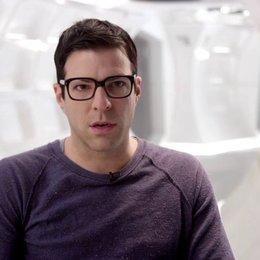 Zachary Quinto - Spock - über die Menschlichkeit die JJ Abrams dem Film gibt - OV-Interview Poster