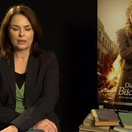 Barbara Auer - Ilsa Hermann - über die Beziehung von Ilsa zu ihrem Mann - Interview Poster
