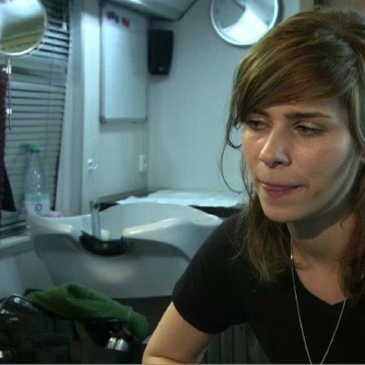 NORA TSCHIRNER - Meike Pelzer - über Meikes Pläne, das Kokain zu verkaufen - Interview Poster