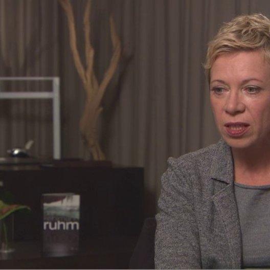 Isabel Kleefeld über das Finden der einzelnen Darsteller und ihre Rolle - Interview Poster