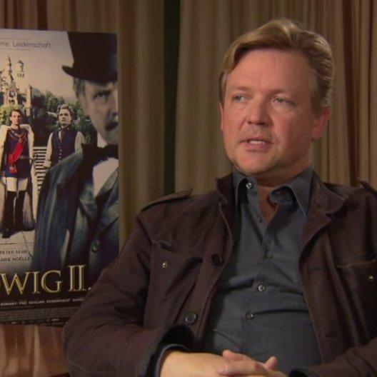 Justus von Dohnanyi darüber, was er vor dem Film schon über Ludwig wusste - Interview Poster