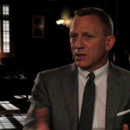 Daniel Craig über die Arbeit mit Sam Mendes - OV-Interview Poster