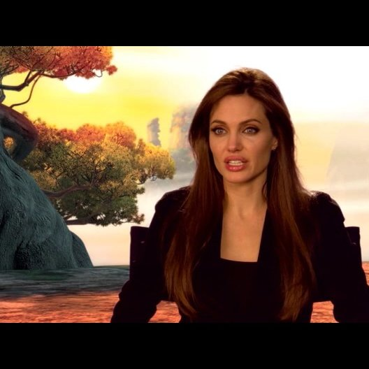 Angelina Jolie (Originalstimme Tigress) über den Film 2 - OV-Interview Poster