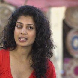 Tina Desai über die Geschichte des Films - OV-Interview
