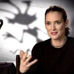 Winona Ryder - Elsa van Helsing - warum sie bei dem Film mitspielen wollte - OV-Interview Poster