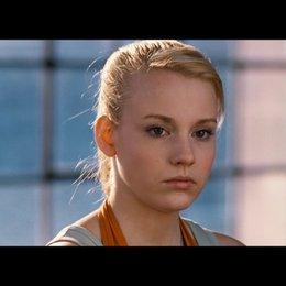 Stella (Sabrina Wilstermann) glaubt nicht daran dass sie Tänzerin werden kann - Szene Poster
