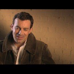 Gedeon Burkhard über die Arbeit mit den anderen dt. Schauspielern - Interview