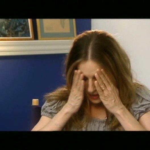 Sarah Jessica Parker über die Unbeholfenheit ihres Filmcharakter Merediths und die physische Anstrengung bei Komödien. (4:26 min) - OV-Interview Poster
