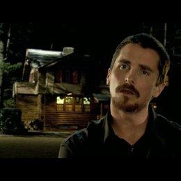 Christian Bale über die Location - OV-Interview Poster