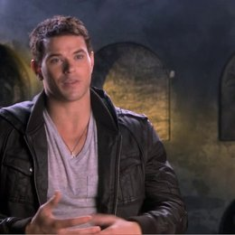 Kellan Lutz über den Film - OV-Interview Poster