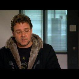 Russel Crowe (John Brennan) über die Story (2) - OV-Interview