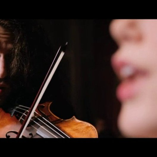 Paganini bittet Charlotte auf die Bühne - Szene Poster
