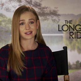 Britt Robertson darüber was sie hofft was das Publikum von diesem Film mitnehmen kann - OV-Interview Poster
