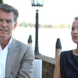 Pierce Brosnan und Trine Dryholm über den Drehort - OV-Interview