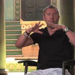 Renny Harlin über die Handlung - OV-Interview