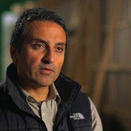 Adrian Askarieh darüber dass Agent 47 ein eigenständiger Attentäter ist - OV-Interview Poster