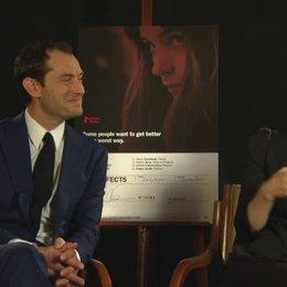 Rooney Mara - Emily Taylor - über die Themen des Films - OV-Interview Poster