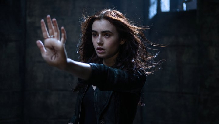 Chroniken der Unterwelt - City of Bones - Trailer Poster