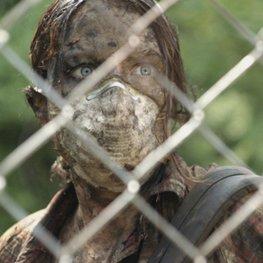 """""""Here Alone"""": Seht den Trailer zum gefeierten Zombie-Film 2016"""