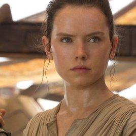 """""""Star Wars 7"""": Daisy Ridley widerlegt Gerüchte um Reys Eltern"""