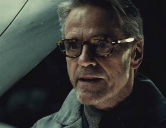 Batman v Superman Kritik Jeremy Irons