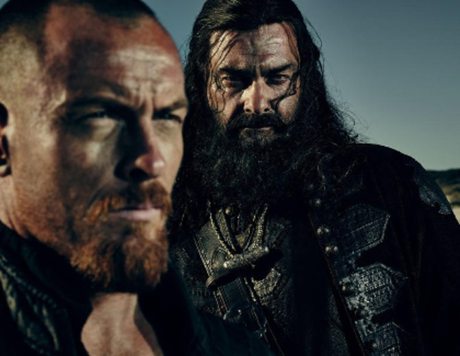 Captain James Flint(vorne) und Blackbeard (hinten) © starz