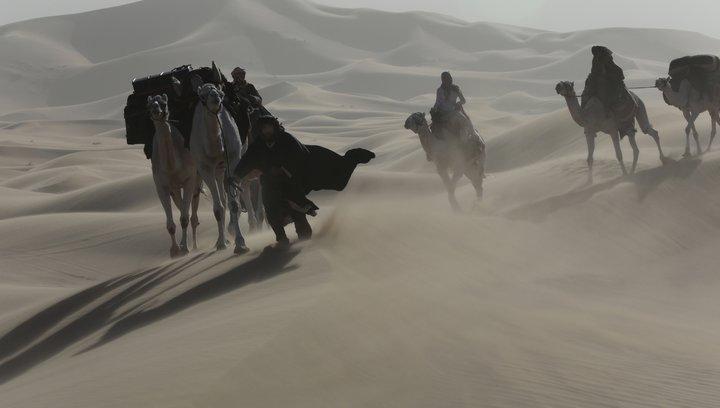 Königin der Wüste - Trailer Poster