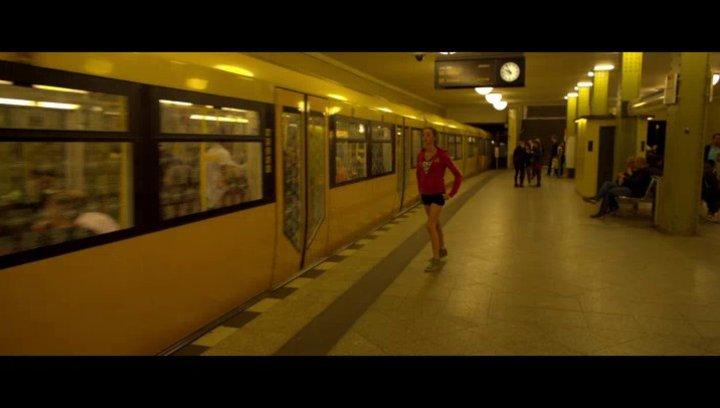 Ruhelos durch die Berliner Nacht - Szene Poster