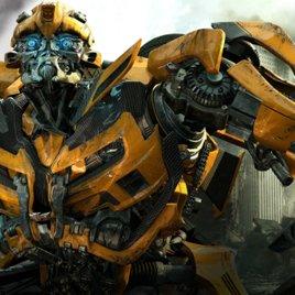 Transformers 5: Michael Bay stellt neuen, niedlichen Autobot vor