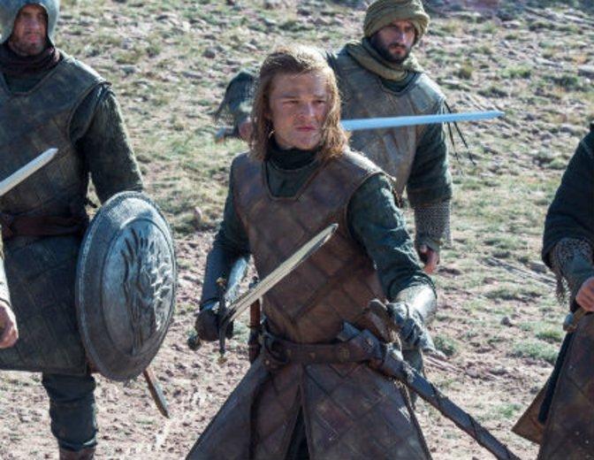 Der junge Ned Stark kämpft gegen die Känigsgarde der Targaryens. © HBO