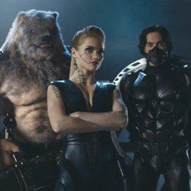 """Superhelden auf russisch: Die """"Guardians"""" bedienen sich im Trailer munter bei Marvel & DC!"""