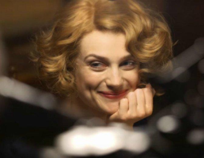 Alison Sudol Fantastic Beasts Queenie