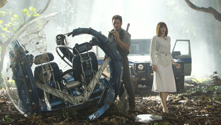 Jurassic World - Trailer Poster
