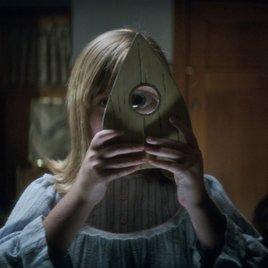 """""""Ouija 2"""": Im neuen Trailer kehrt das Geisterbrett des Grauens zurück"""
